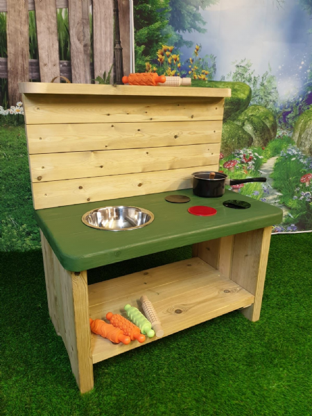 Small Mud Kitchen